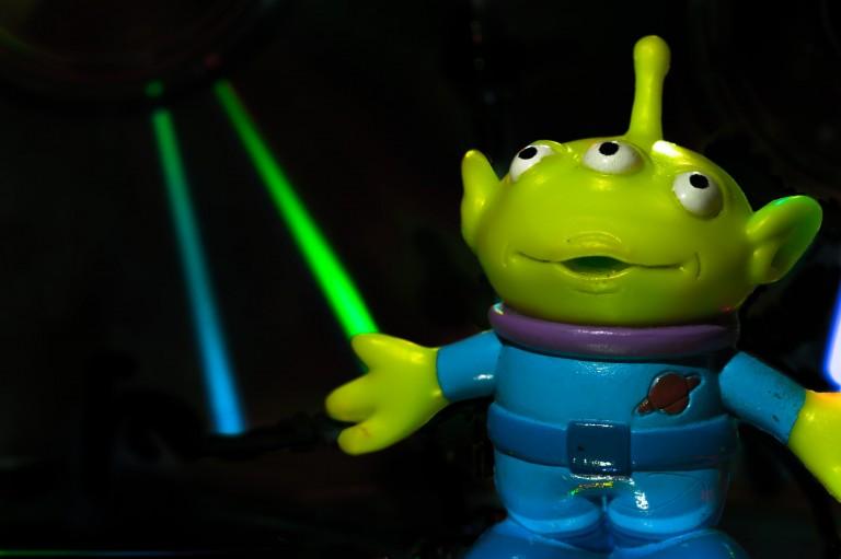 Détails du fichier attaché green-color-amphibian-toy-colors-design