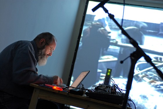 exposition The Movement Of People Working - Phill Niblock